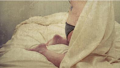 woman_bed_butt