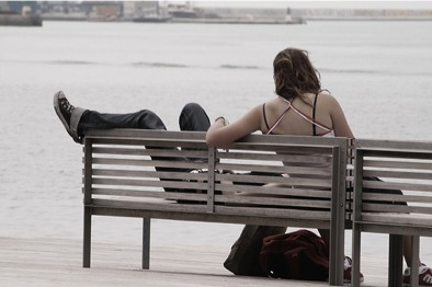 romance_ocean_couple