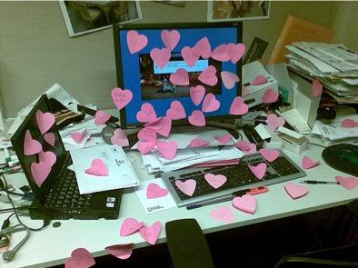 computer_hearts_postits