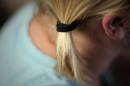 blonde_hair_ponytail