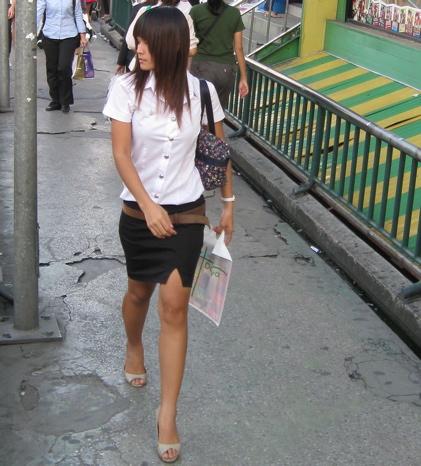 woman_walking