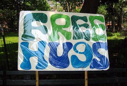 free_hugs_sign